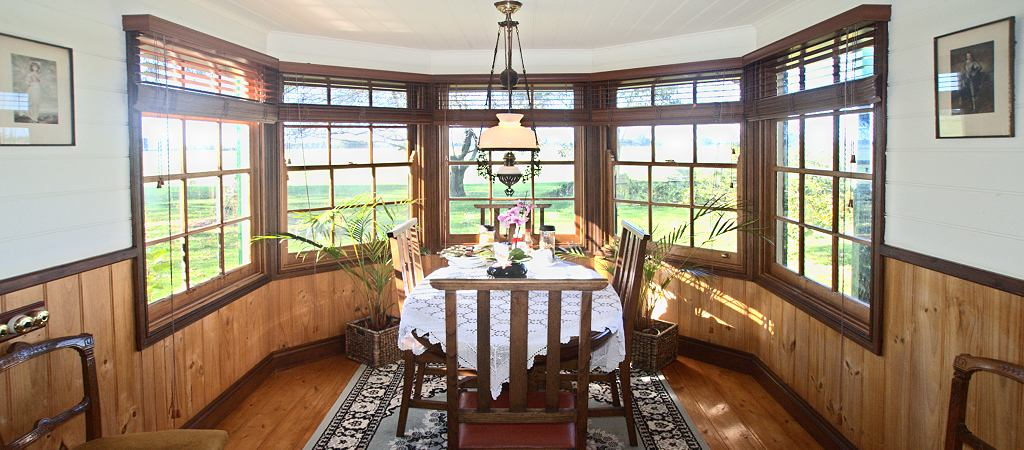 butterfly farm suite 2 bay window breakfast area